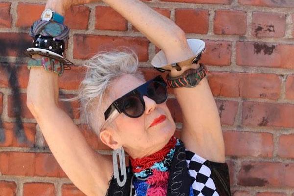 Anna Dello Russo, editora da Vogue Japão, também joga no mesmo time das  absurdinhas, que despertam reações diversas a respeito de seu lifestyle  FOREVER ... 274bac3c8d